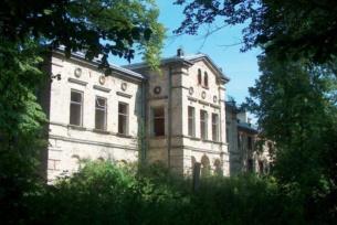Pałac Schoenberga w Wąchocku