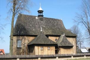 Drewniany kościół w Radkowicach